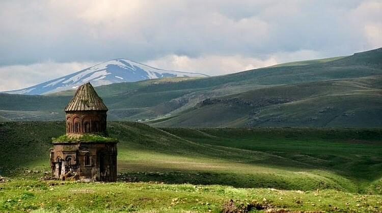 1 Mayıs Uçakla Butik Kars Turu