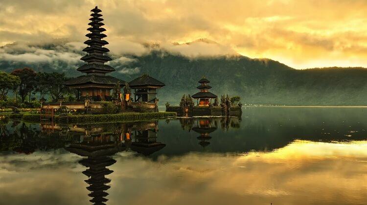 Maldivler Singapur Bali Turu